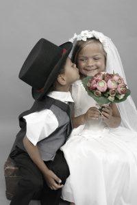 """Das """"kleine Hochzeitspaar"""" rührt die Herzen der Großen sicherlich. © Fichtelgebirgsmuseum"""